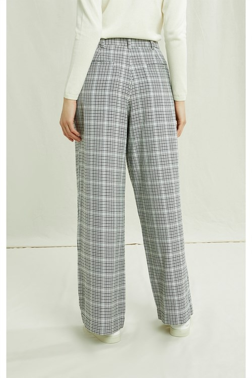 adalee-checked-trousers-in-grey-check-b1307a9b7cd1.jpg