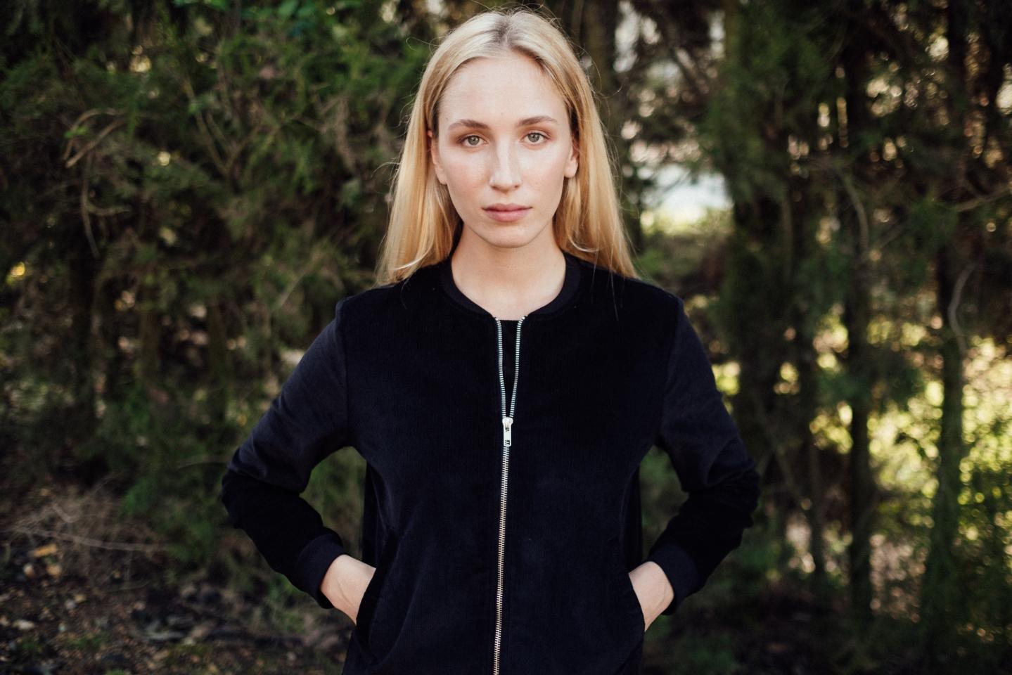 Frauen Corduroy College Jacket black