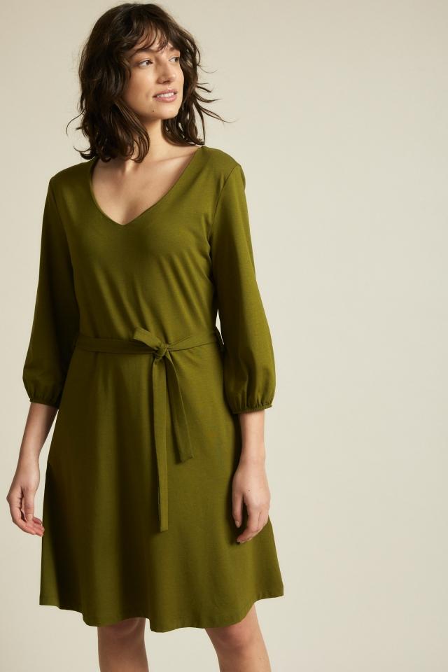 Kleid mit Taillierung olive
