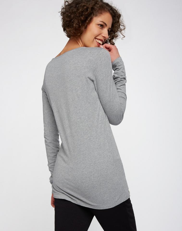 w218-03-g01-longsleeve-shirt-basic-04.jpg