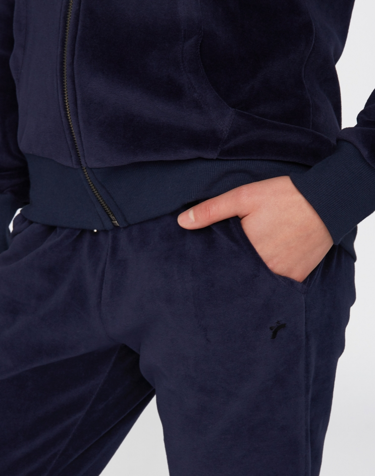 w218-12-f02-jogger-slim-06.jpg