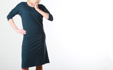 Kleid mit Gürtel indigo